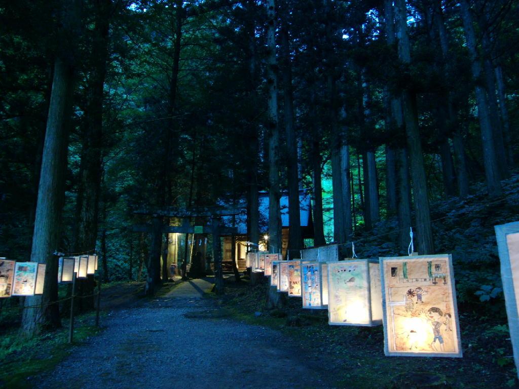 玉簾の滝絵灯籠、八幡の祭り、、、夏の風景