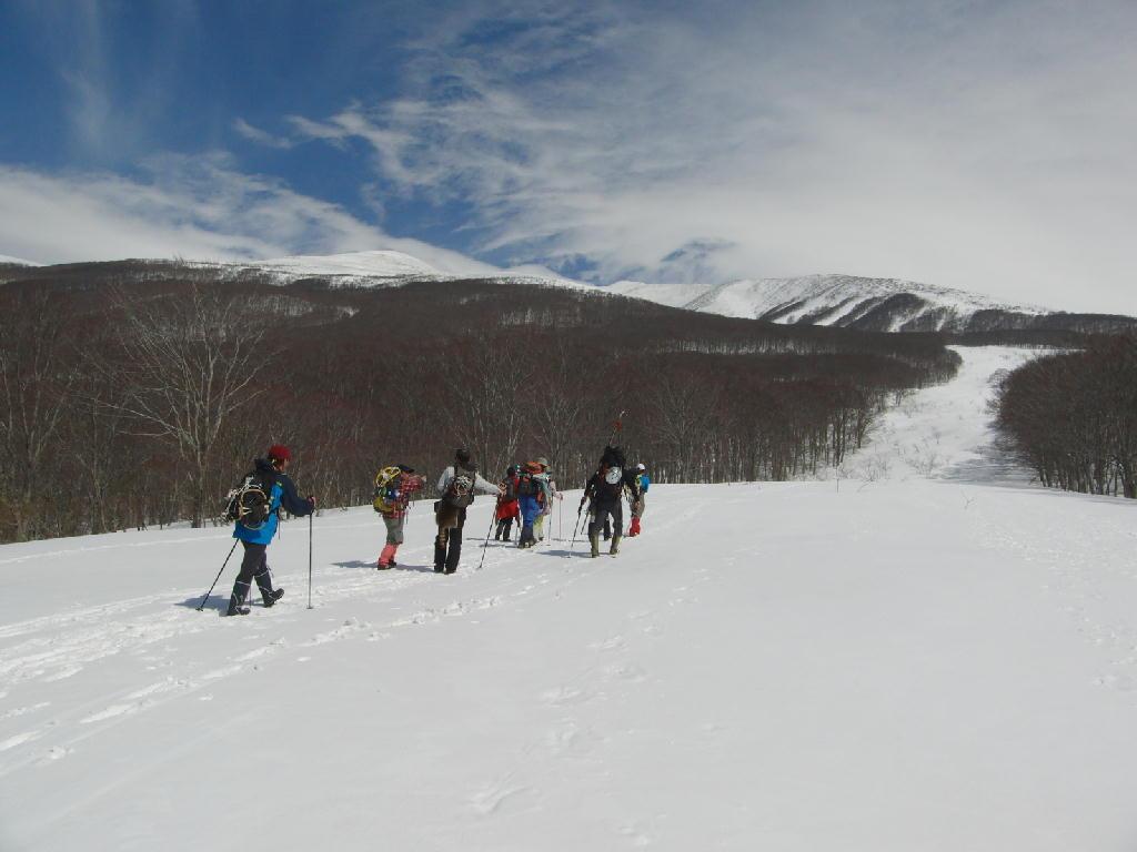 鳥海山三ノ俣コース さんゆう〜鈴木小屋 春山の風景