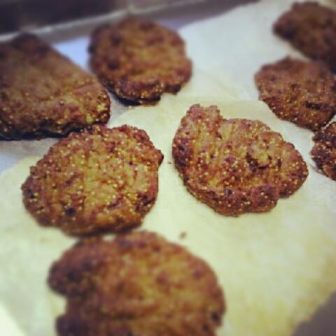 雑穀のクッキーを試作。