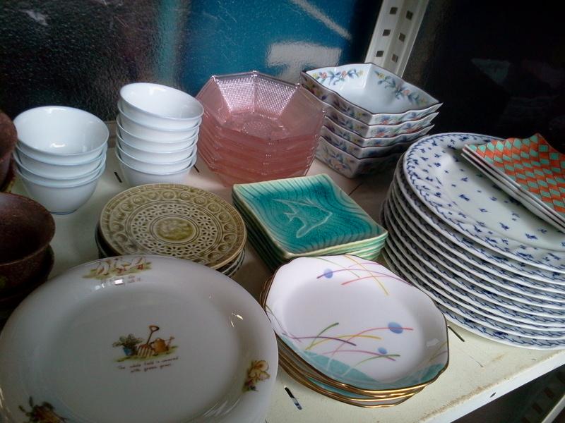 いなかフェフリマで販売中のお皿たち。