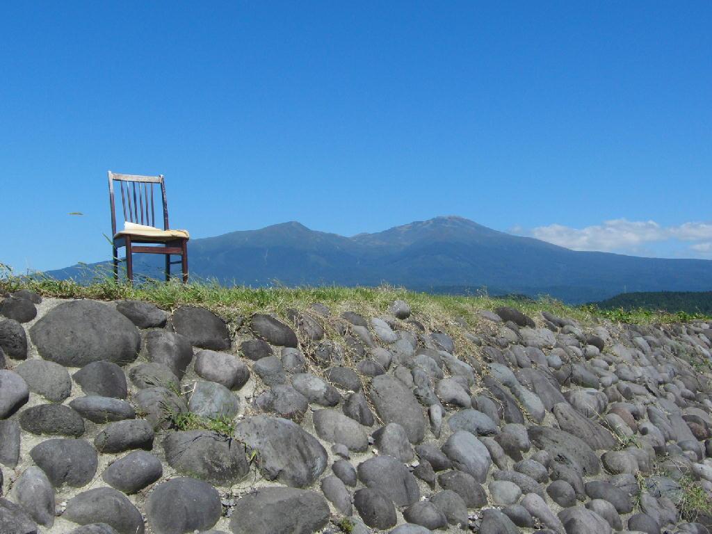 遊佐町丸池様や鳥海山の風景